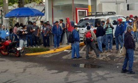 Realizan paro de labores trabajadores de Limpia Pública de Xalapa, exigen al Ayuntamiento el pago de prestaciones
