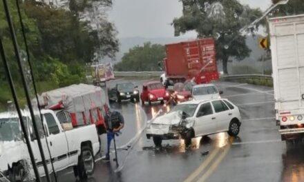 Accidente de tránsito sobre la carretera Xalapa – Perote, a la altura de Plan de Sedeño