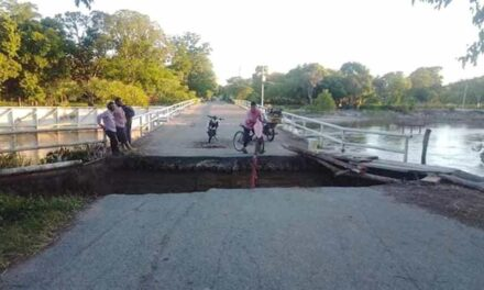 Piden ayuda, pobladores de comunidades de Chiapas continúan incomunicadas tras el paso de Cristóbal