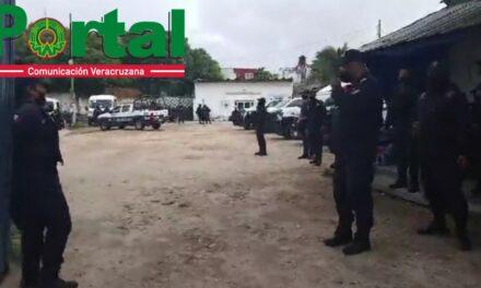 Elementos de la Policía Municipal de Coatzacoalcos se manifestaron este viernes por la mañana en demanda de instrumentos de trabajo y mejores tratos