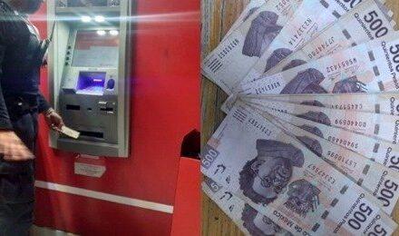 Policía encuentra dinero en cajero y los regresa
