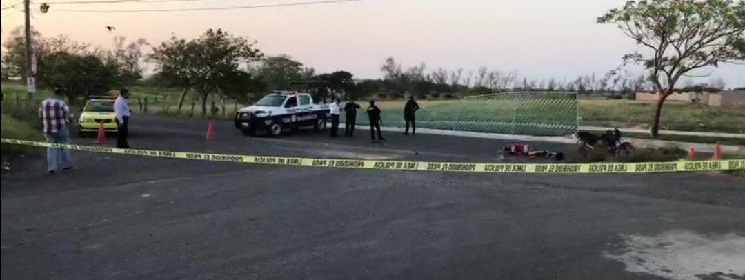 Motociclista muere tras impactarse contra camión de pasajeros en Veracruz