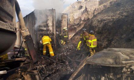 Video: Accidente en la Autopista León-Aguascalientes, dos tráileres y cuatro autos compactos
