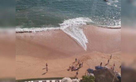Muere turista arrastrada por las olas de Acapulco… en 2do día de reapertura