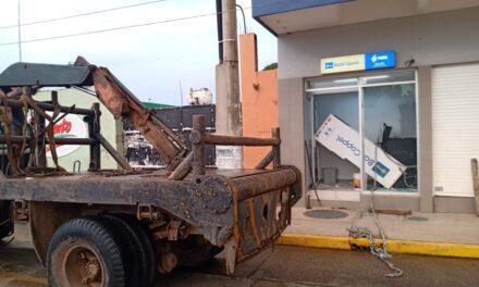 Frustran robo de cajero automático, un muerto y 3 detenidos en Jaltipan