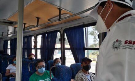 Transporte público en Veracruz desinfecta unidades y promueve el uso de cubreboca