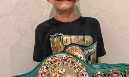"""Recibió cinturón WBC el pequeño héroe Bridget Walker, el """"Hombre más valiente de la Tierra"""""""