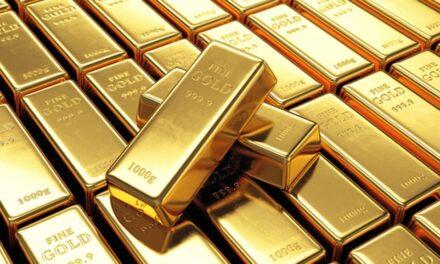 """Precio del oro se dispara a récord histórico; demanda """"está por los cielos"""" El oro superaba los mil 900 dólares la onza y acumula una ganancia de 24 por ciento en el año."""