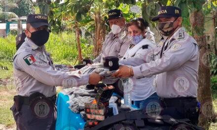 Entrega IPAX uniformes a comandancias y bases, en el sur de Veracruz