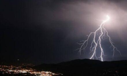 Onda tropical 16 provocará lluvias fuertes y descargas eléctricas en varios estados
