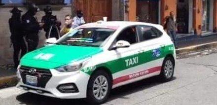 Asaltan a taxista en semáforo de Murillo Vidal y Circuito Presidentes en Xalapa