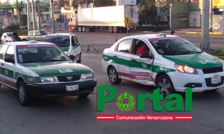Accidente sobre la avenida Lázaro Cárdenas en Xalapa, a la altura de la Corona
