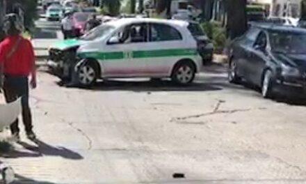Accidente de tránsito en la avenida Américas esquina con calle Sarabia en Xalapa