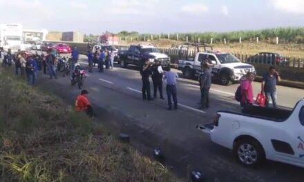 Dos personas lesionadas es el saldo de una carambola en la autopista Córdoba-Veracruz