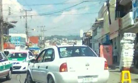 Accidente de tránsito sobre la avenida México en la colonia Revolución en Xalapa