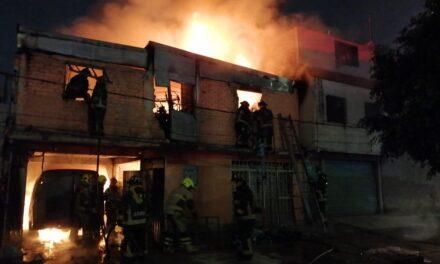 Video: Incendio se registró alrededor de las 03:00 horas en la colonia Santa Martha Acatitla de la CDMX