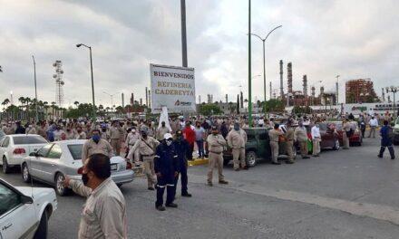 Empleados de la refinería corrieron al senador Samuel García