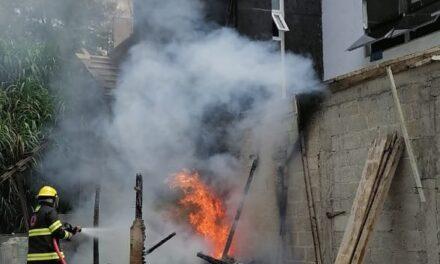 Se registra incendio en la zona de Los Arenales en Xalapa
