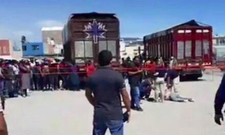 Un sujeto fue linchado, luego de que intentó robar una camioneta de la Central de Abastos en Puebla