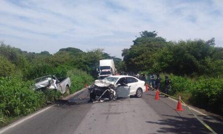 Fuerte accidente en la carretera Cardel- Poza Rica, una persona perdió la vida