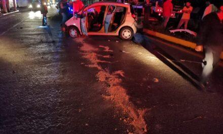 Se accidenta taxista sobre el bulevard Córdoba-Peñuela