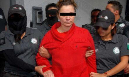 Dan amparo a esposa del ex alcalde de Iguala, José Luis Abarca, Fue señalada por desaparición de los 43 normalistas de Ayotzinapa