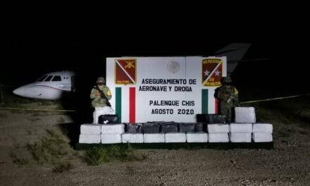 Aseguran avioneta cargada con 356 kilos de presunta cocaina con un precio aproximado de 358 millones de pesos  en Chiapas