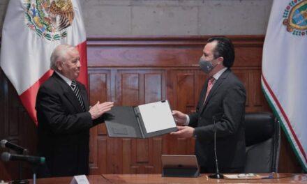 Nombra gobernador nuevo titular del Colegio de Veracruz