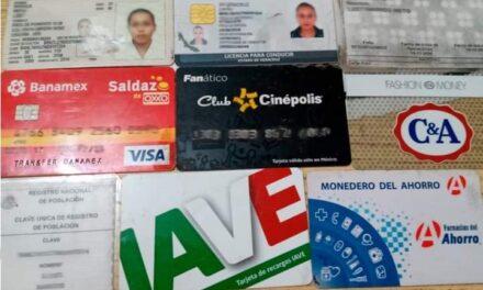 Entrega IPAX identificaciones y tarjetas bancarias olvidadas en caseta de Fortín