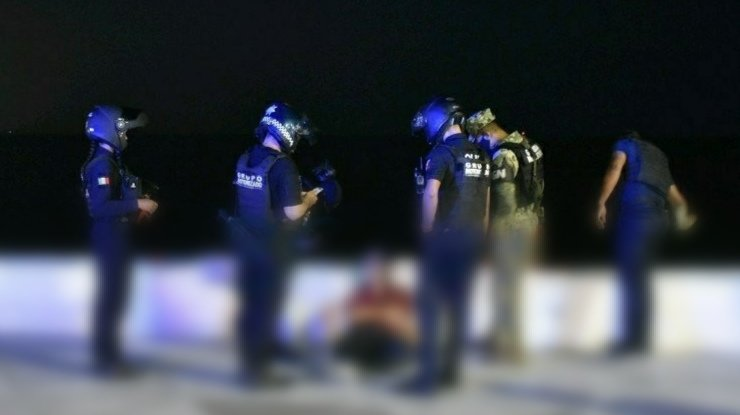 Joven intenta arrojarse suicidarse en Boca del Río.