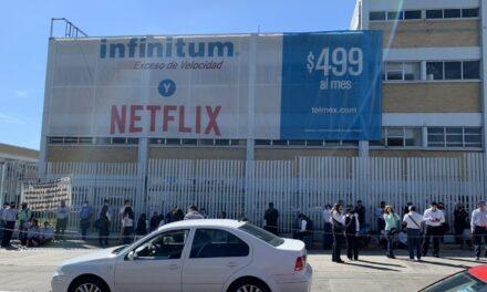 Oficinas de Telmex en Xalapa cerradas, se unen al paro nacional para exigir cambio en esquema de jubilación