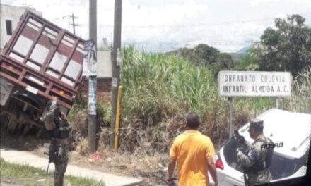 Accidente de tránsito en la carretera Xalapa , a la altura de El Lencero