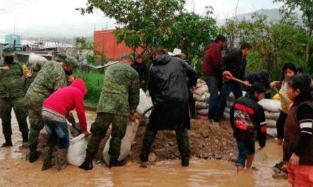 Lluvias desbordan ríos en Oaxaca; habilitan albergues temporales