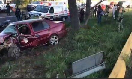 Fuerte accidente en la carretera Xalapa-Veracruz, a la altura del Batallón de Infantería de El Lencero