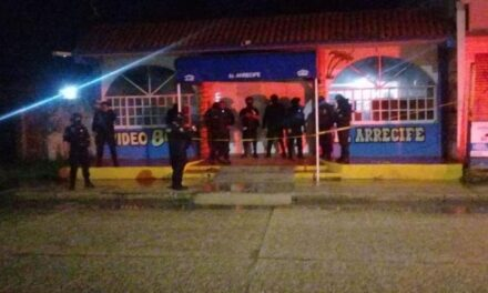 DOBLE HOMICIDIO EN BAR DE COATZACOALCOS