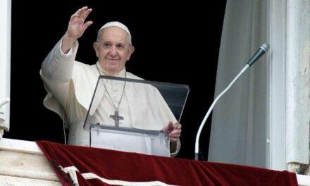 """Papa Francisco asegura que los chismes son una """"plaga peor"""" que el COVID-19"""