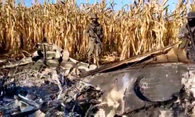 Avión robado en Morelos se estrella en Guatemala; mueren tripulantes y encuentran droga y armas