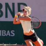 La mexicana Renata Zarazúa hace historia y avanza a segunda ronda en Roland Garros . En 20 años ninguna tenista mexicana había conseguido un triunfo en singles en un Grand Slam