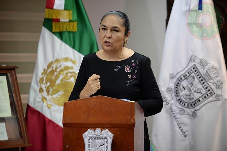 La rectora Sara Ladrón de Guevara destacó el compromiso de todos los universitarios ante un panorama excepcional