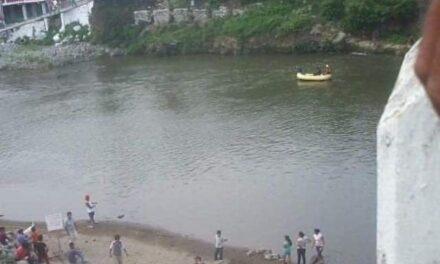 Localizan cadáver de joven arrastrado por el río Los Pescados en Jalcomulco