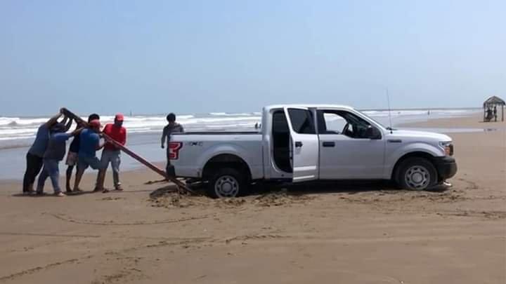 """Se presenta fenómeno de """"mar de fondo"""" en las playas de Tuxpan"""
