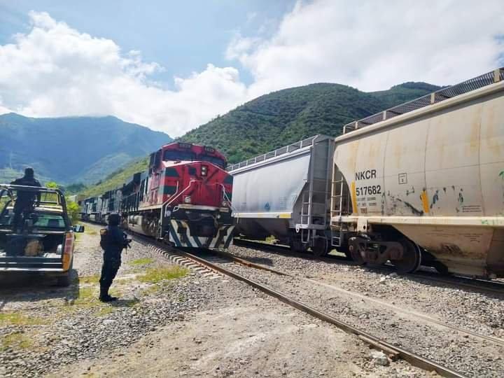 Repele IPAX agresión con arma de fuego en tren de Ferrosur, en Acultzingo