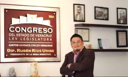 EL PODER DEL PUEBLO  Los números no mienten Lic. Rubén Ríos Uribe