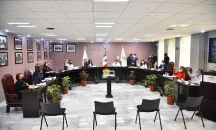 Reciben 50 personas dispensa legislativa para ocupar dos plazas en el Sector Salud