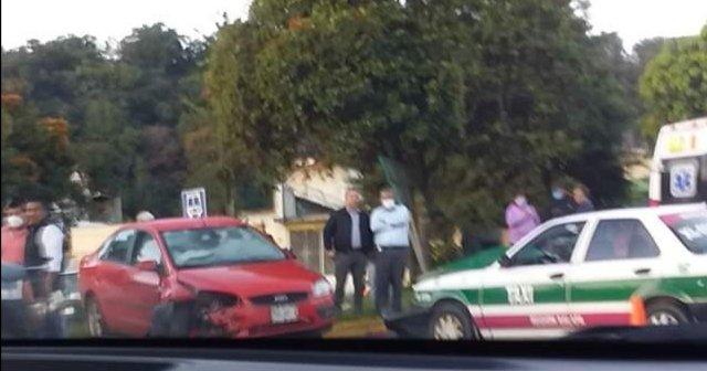 Accidente de tránsito en el bulevar Banderilla – Xalapa, a la altura del Gallito