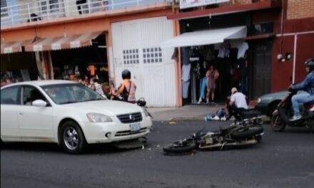 Motociclista lesionado en accidente de tránsito sobre la Avenida Miguel Alemán
