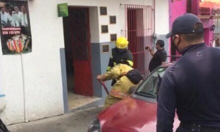 Se registra conato de incendio en un negocio de la zona centro de Xalapa.