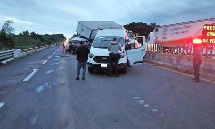 Carambola en la autopista Acayucan-Rodríguez Clara, 3 personas perdieron la vida