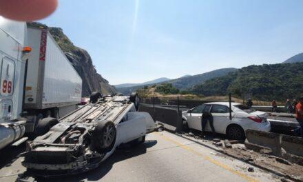 """El Mijis"""" sufre aparatoso accidente en carretera México-Querétaro De acuerdo con el equipo del Diputado, sólo sufrió lesiones leves."""