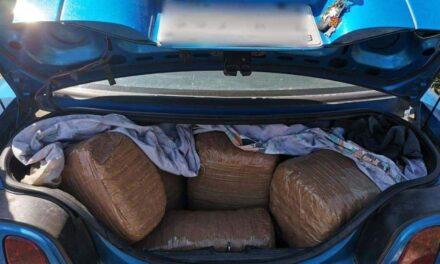 Aseguran vehículo con 112 kilos de marihuana en la carretera a Celaya